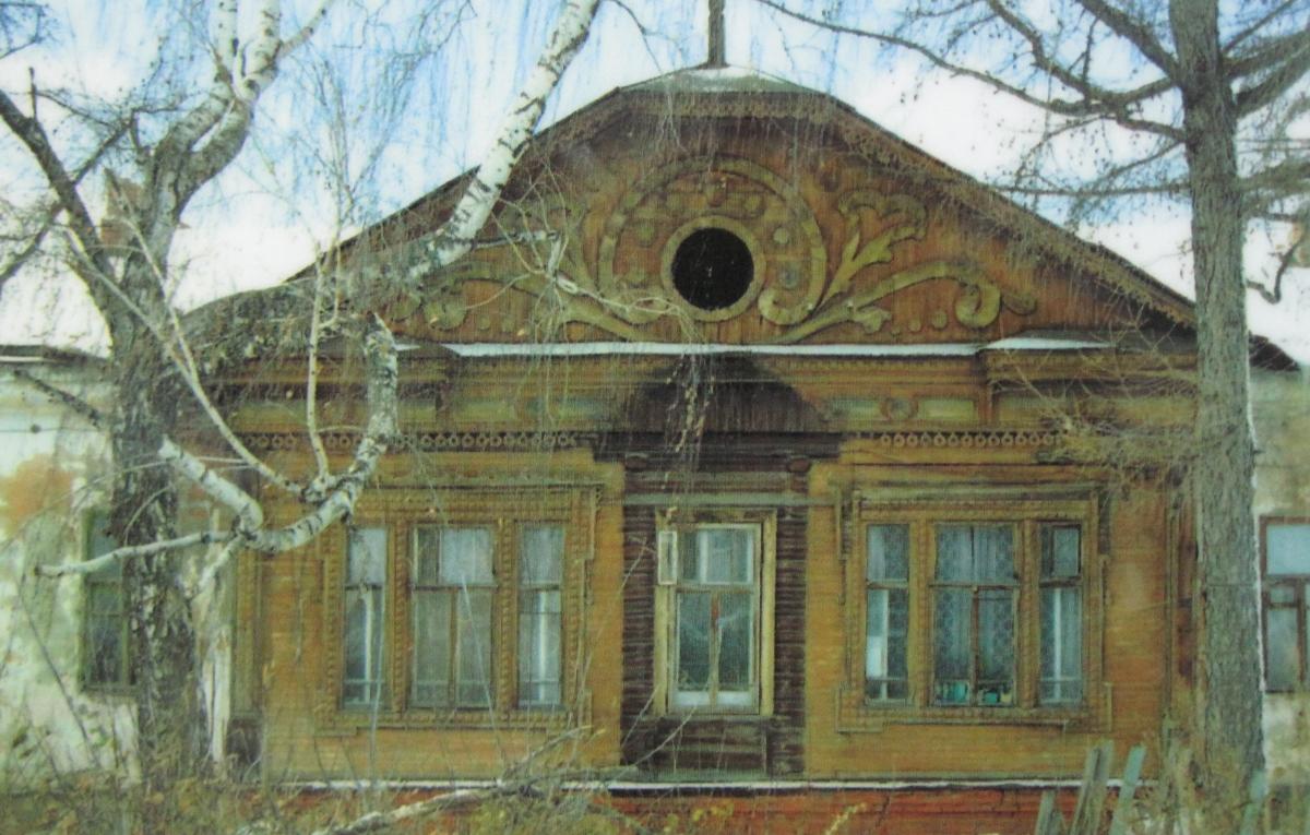 Фото старого здания общежития.