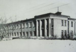 98 школа в Зубчаниновке.