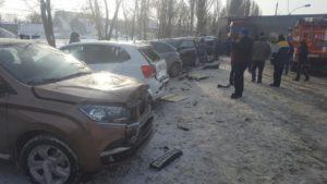 Фото аврии с фурой и 16 авто в Зубчаниновке - 2 февраля 2019 г.